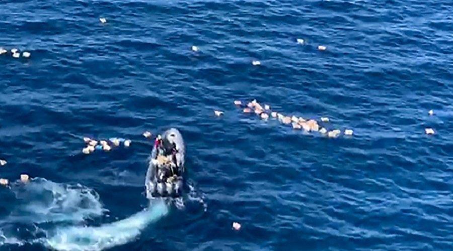 تجار مخدرات ينقذون عناصر أمن إسبان من الغرق