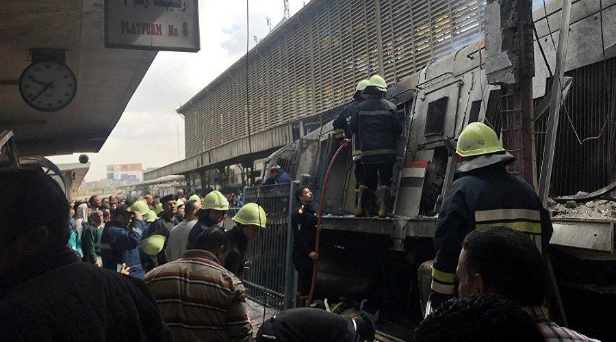 عشرات القتلى والمصابين في اصطدام قطار بمحطة في مصر