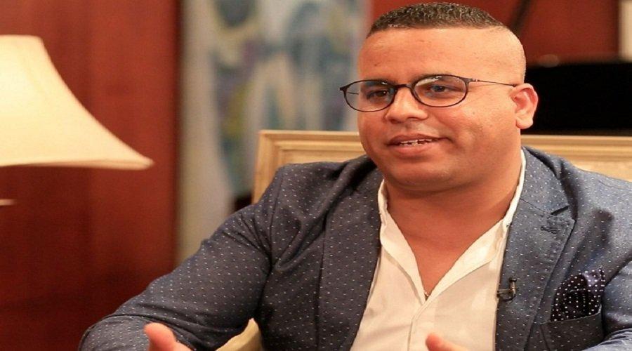بعد لمجرد.. السلطات الفرنسية تعتقل الكوميدي فتاح جوادي بتهمة الاغتصاب
