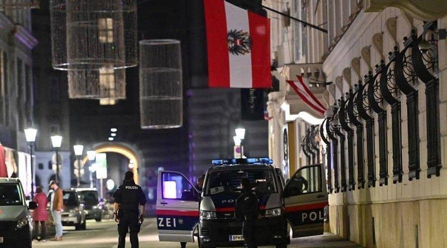ارتفاع عدد القتلى في هجوم فيينا والسلطات تكشف هوية منفذ الهجوم