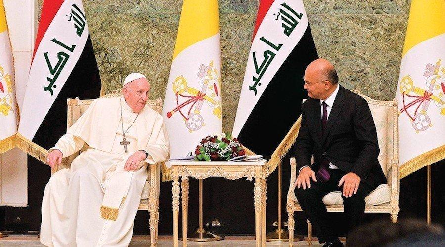 """من بغداد البابا فرنسيس يدعو إلى وقف """"العنف والتطرف والفساد"""""""
