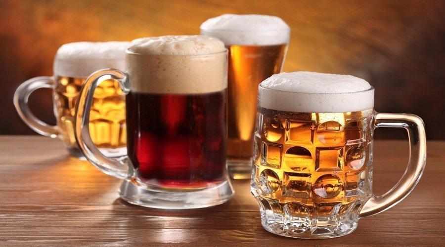 البيرة في البرلمان تخلق الجدل ومطالب بمساواة البرلمانيين بعموم المواطنين في الشرب