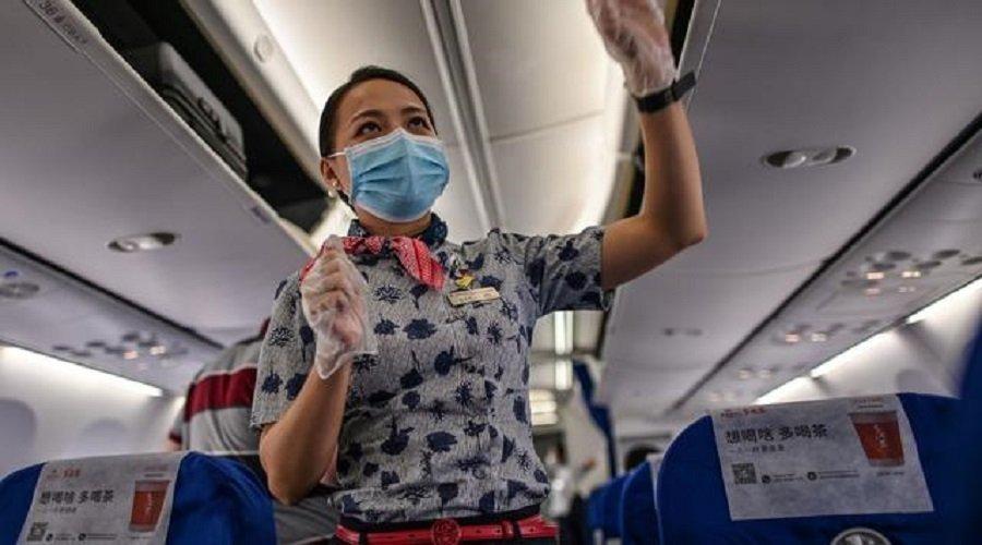 الصين توصي مضيفي الطيران بارتداء الحفاضات