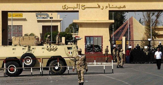 مصر تؤجل فتح معبر رفح بعد هجوم سيناء