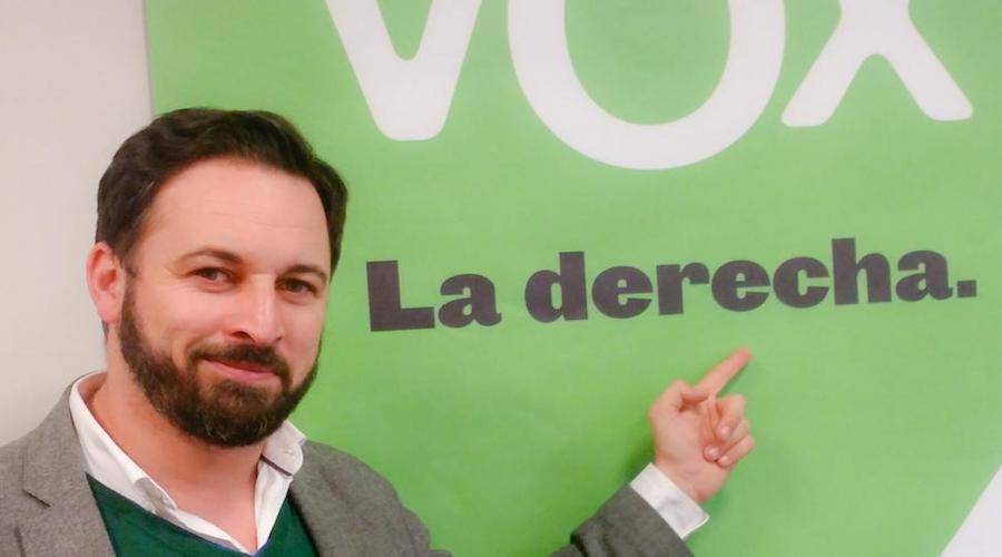 فوكس اليميني المتطرف يطالب حكومة مدريد بحرمان المغاربة من الفيزا