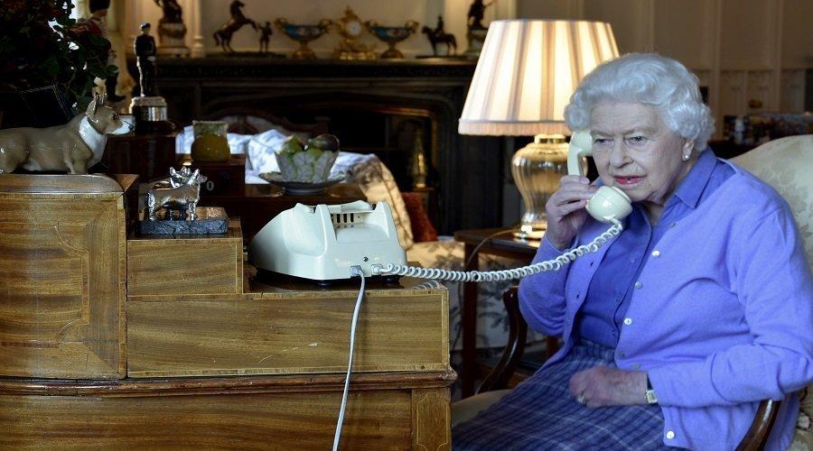 تأكيد إصابة خادم الملكة إليزابيث بفيروس كورونا
