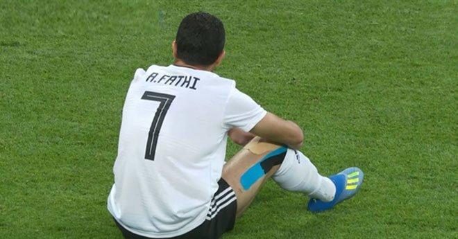 فيديو.. أحمد فتحى يسجل هدفا بالخطأ فى مرماه لصالح روسيا