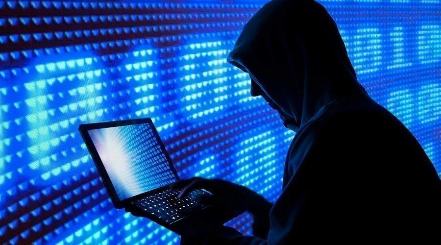 """هكذا تتجسس علينا """"غوغل"""" و""""فايسبوك"""" و""""آبل"""""""