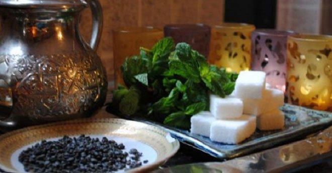 فضيحة الشاي الملوث.. وفد مغربي يحل بالصين