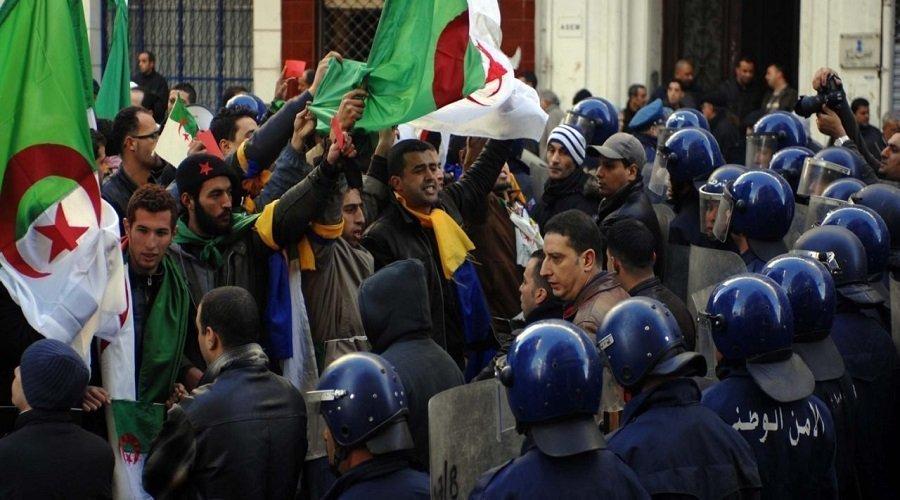البرلمان الأوروبي يدين تدهور الحريات في الجزائر ويطالب بالإفراج عن معتقلي الرأي
