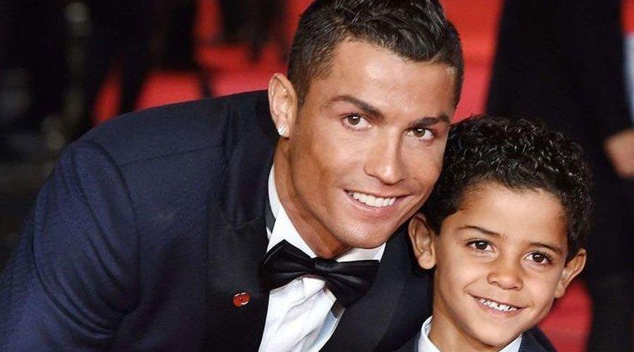 """لهذا السبب يطلق المغاربة والجزائريون لقب """"جيلالي"""" على ابن رونالدو"""