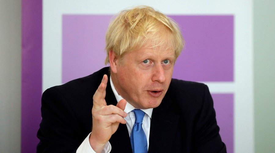 جونسون يتهم الاتحاد الأوروبي بتهديد وحدة أراضي بلاده والسعي لتجويعها