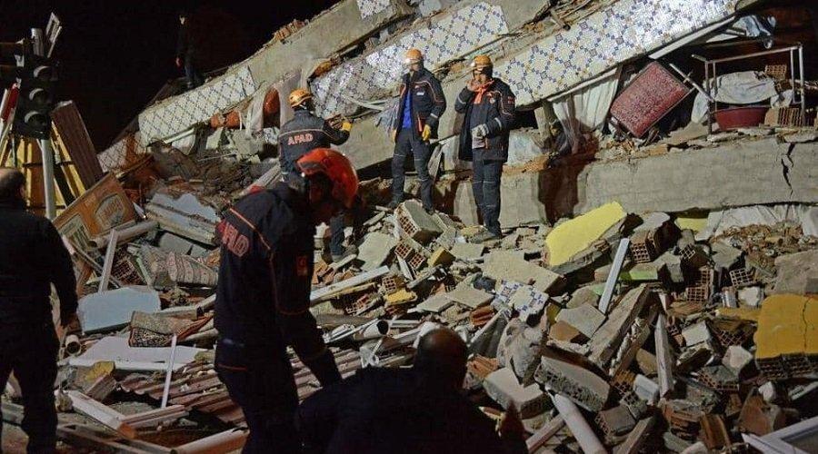 زلزال مدمر يضرب تركيا وعدد الضحايا يرتفع إلى 20 قتيلا