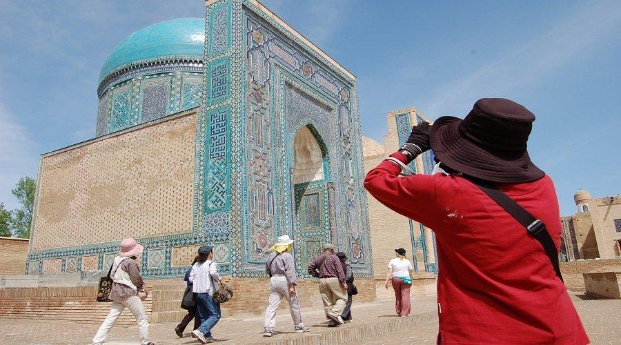 أغرب عرض سياحي... أوزبكستان تتعهد بدفع ثلاثة آلاف دولار لكل سائح يصاب عندها بفيروس كورونا