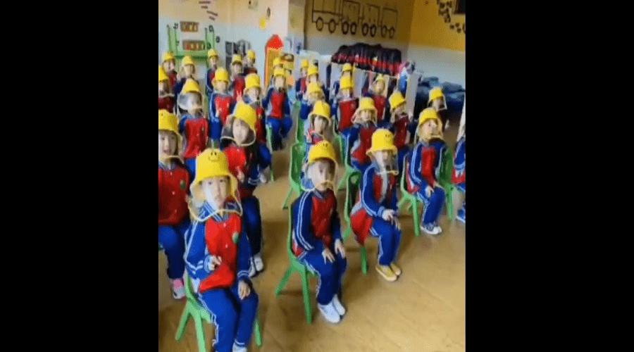 بالفيديو.. هكذا يعود التلاميذ إلى فصول الدراسة بالصين