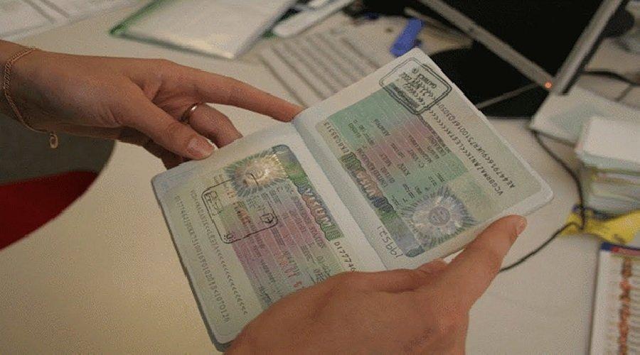 السلطات الفرنسية تمدد تأشيرات المغاربة العالقين لثلاثة أشهر إضافية