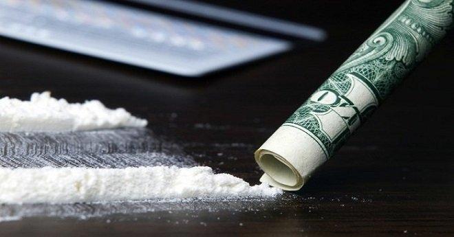 أمن مطار محمد الخامس يفرغ كمية كبيرة من مخدر الكوكايين من أمعاء برازيليين