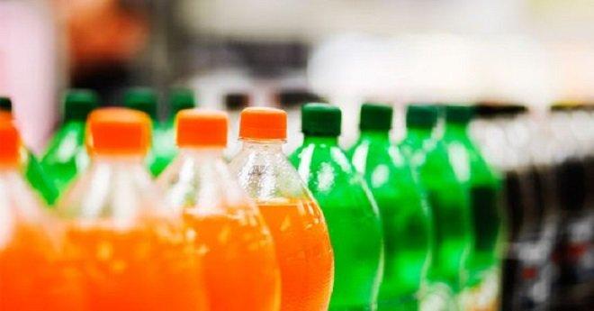 الحكومة ترفع الضريبة على المشروبات الغازية السكرية بـ50 في المائة