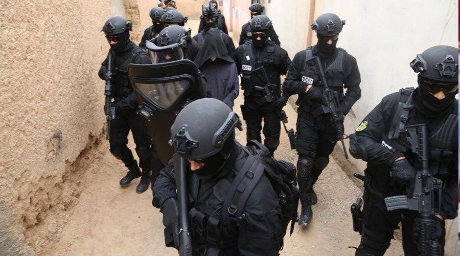 """تفكيك خلية إرهابية موالية لـ""""داعش"""" وتوقيف أربعة أشخاص"""