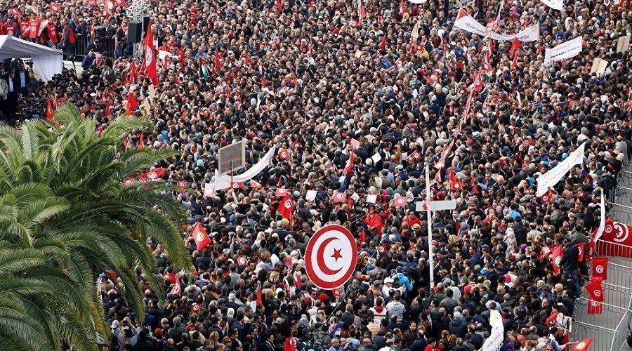 إضراب عام في تونس احتجاجا على رفض الحكومة رفع الأجور