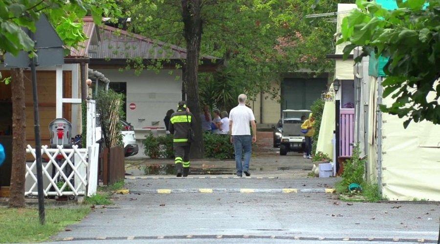 تفاصيل مصرع طفلتين مغربيتين بإيطاليا في حادث سقوط شجرة