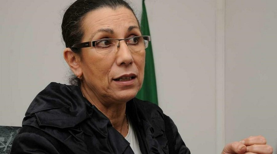 """حبس الأمينة العامة لحزب العمال الجزائري لويزة حنون بتهمة """"التآمر على الدولة"""""""