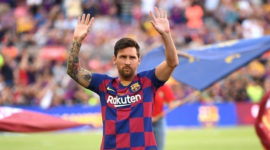 ميسي يهدد بمغادرة برشلونة لهذا السبب