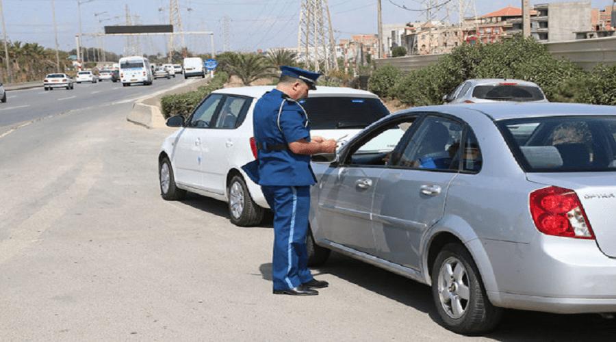 غرامات جديدة ضد السائقين بسبب الـ«كلاكسون» والـ«سويكلاس»