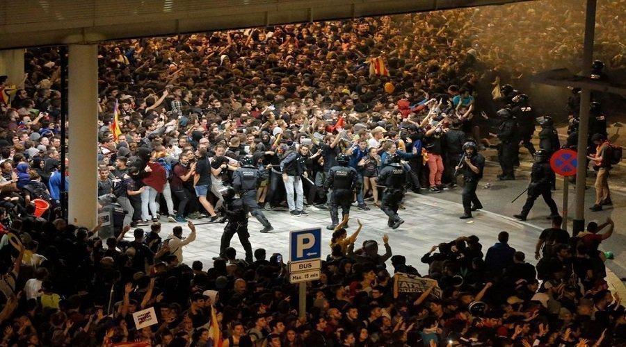 احتجاجات كتالونيا تستنفر الحكومة الإسبانية