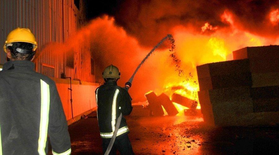 اندلاع حريق كبير داخل مصنع بالقنيطرة