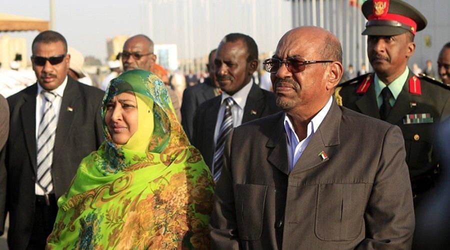 اعتقال زوجة الرئيس السوداني المعزول بتهمة الثراء الحرام
