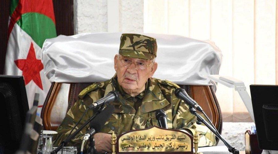 قايد صالح يتجاهل المحتجين ويصر على إجراء انتخابات الرئاسة الجزائرية في موعدها