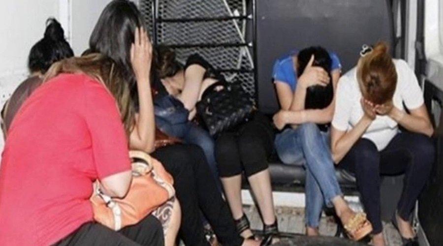 اعتقال عصابة نساء تتاجر في البشر