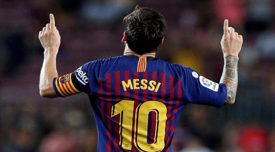 ميسي يجدد عقده مع برشلونة لخمس سنوات