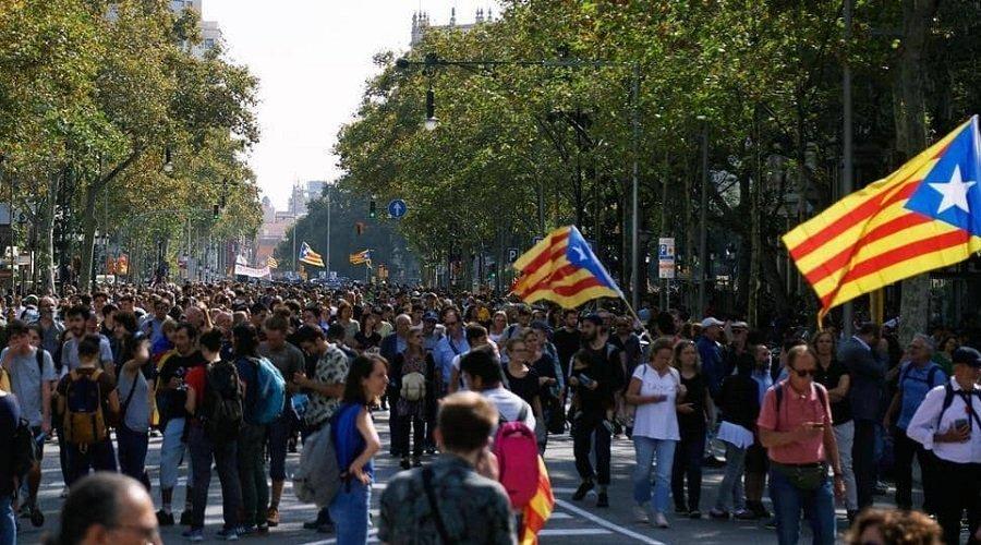 إسبانيا.. السجن في حق 9 زعماء كتالونيين انفصاليين