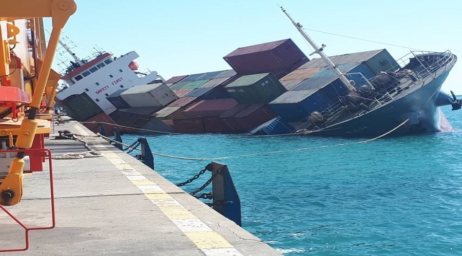 """بالفيديو...رجال أعمال مغاربة يفقدون بضائعهم بسبب غرق سفينة """"جراندي أمريكا"""""""