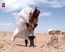 تعرفوا على حياة البدويين الصحراويين والرحل مع خديجة طلال في أول عدد من برنامج المغرب الصحراوي