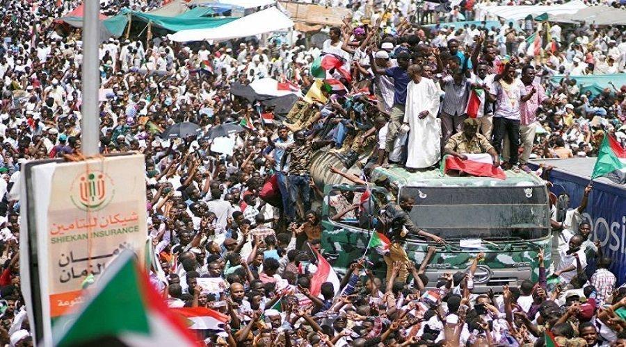 """الحركة الاحتجاجية في السودان تدعو إلى """"عصيان مدني شامل"""""""