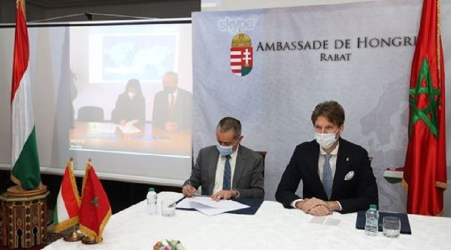 توقيع اتفاقية بين المغرب وهنغاريا في مجال الصناعة الطبية