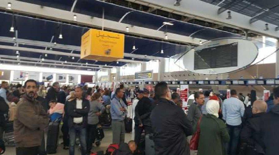 عمال الأمتعة يهددون بشل مطار محمد الخامس في أيام الصيف