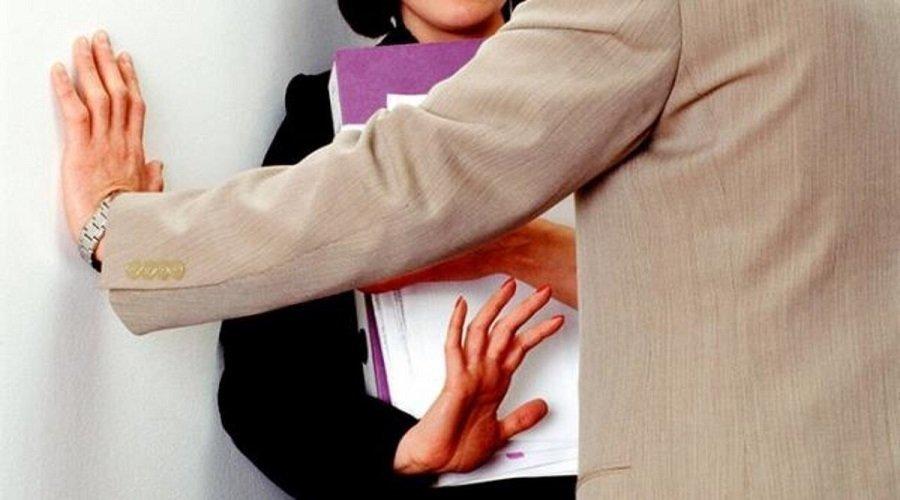 التحقيق في اتهامات لطبيب بالتحرش الجنسي بممرضة