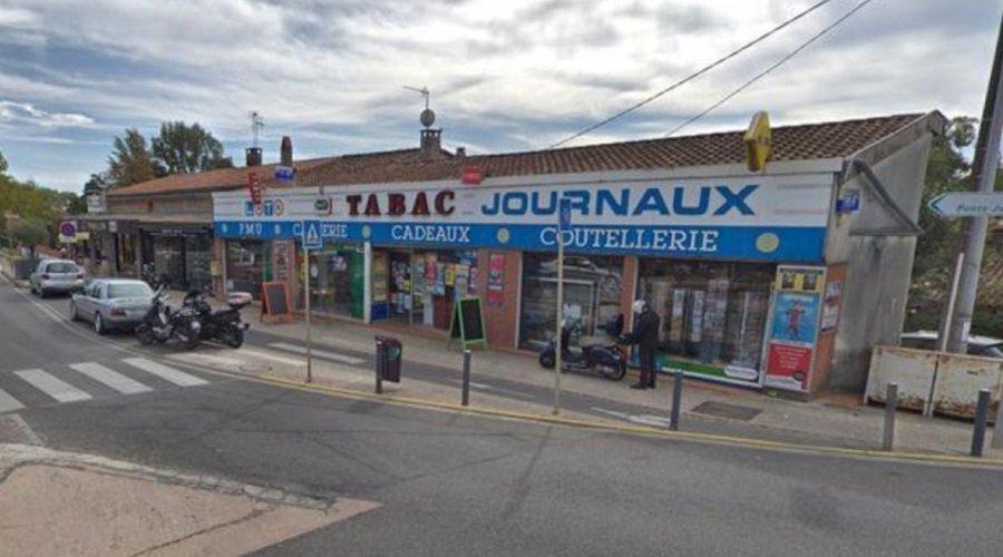 مسلح يحتجز رهائن داخل متجر في مدينة تولوز الفرنسية