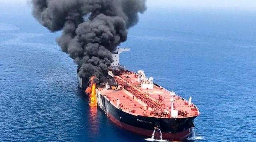 ترامب يحمل إيران مسؤولية الهجوم على ناقلتي نفط في خليج عمان