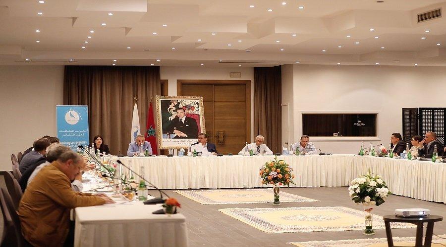 """""""الأحرار"""" ينوّه بجهود الدبلوماسية المغربية في قضية الصحراء ويشكل لجنة لتتبع ملف طلبة الطب"""