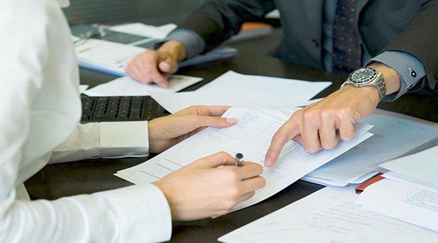 إجراءات تأجيل اقتطاعات القروض تجر انتقادات على البنوك