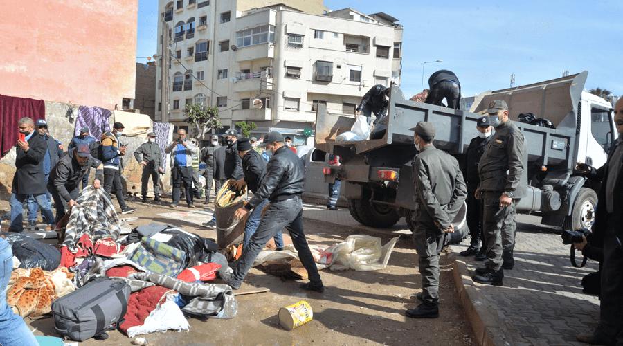 السلطات تفكك مخيم المهاجرين الأفارقة بشارع أولاد زيان وتحجز أسلحة