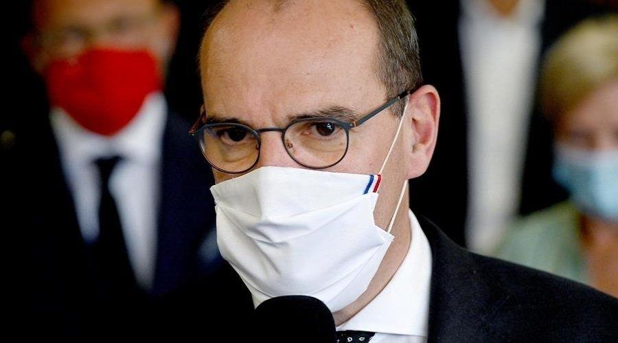 مرضى كورونا يجرون رئيس الوزراء الفرنسي إلى القضاء