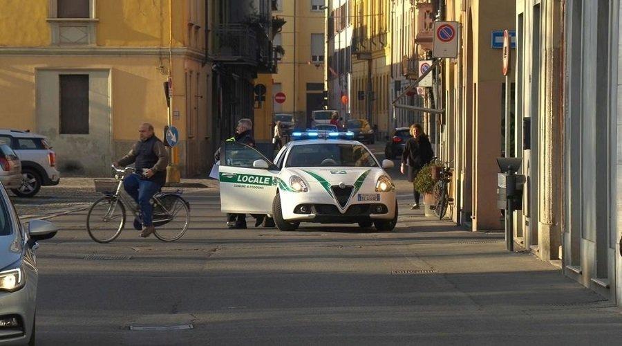 إيطاليا تغلق 11 بلدة إثر ارتفاع عدد المصابين بكورونا إلى 100