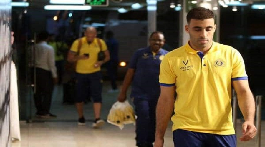 بعد أزمة موظفة المطار.. حمد الله يغادر الرياض إلى أمريكا