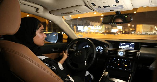 فيديو .. السعوديات في مقعد السائق بعد رفع حظر قيادة المرأة للسيارة